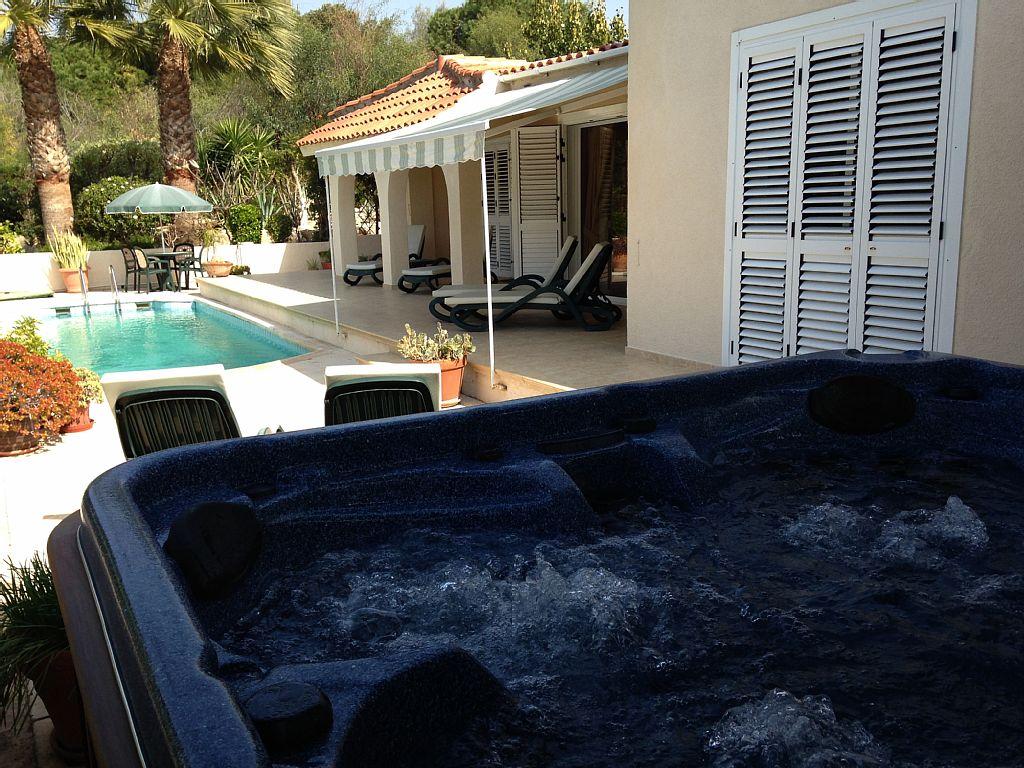 Villa Jara is a Stunning 3 Bed Villa With Sea Views, Pool And Hot Tub (CY5674)