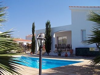 Villa Eleni is a Single Storey Villa, Short Walk To Beach, Private Pool, Wifi, Sat TV, Peaceful (CY4353)