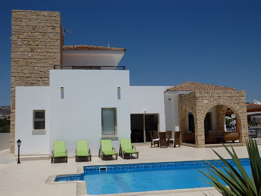 Villa Elathia is a Beautiful Modern 3 Bed Villa, Ground Floor Double Bedroom (CY5901)