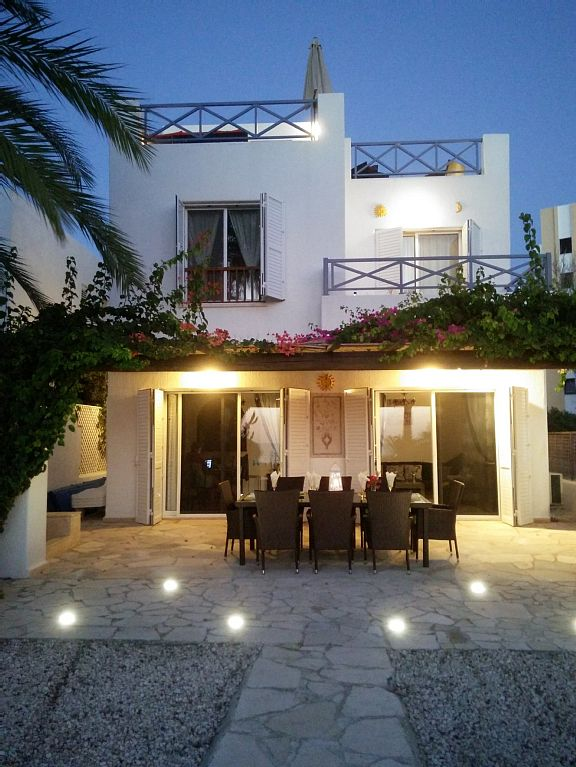 Villa Dionysos is a 4 bed spacious villa, sea facing, seconds from the beach, amazing roof terrace(1903769)